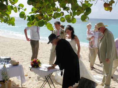 Cayman Cruise Wedding for British Couple - image 4