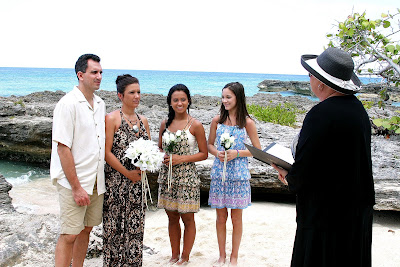 Simple Cayman Islands Beach Wedding for Illinois Couple and Family - image 3