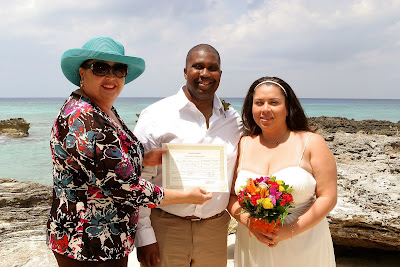 Canadians Choose Grand Cayman for Cruise Beach Wedding - image 4