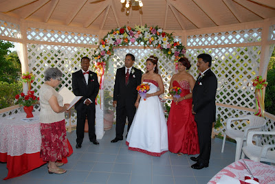 Colourful Cayman Wedding for Trinidadian Visitors - image 2