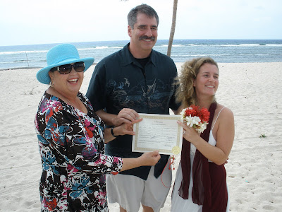 Couple Elope to Little Cayman Wedding - image 4