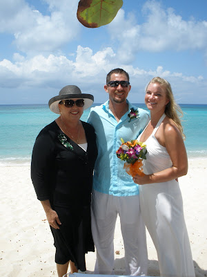 Barefoot Beach Wedding for Cruisers to Cayman - image 6