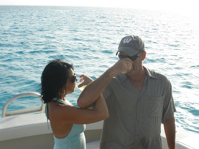 Stingray City Boat Wedding for Paloma Couple in Grand Cayman - image 3