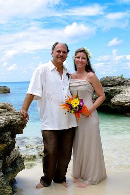 Beautiful Cruise Wedding at My Secret Cove, Grand Cayman - image 4