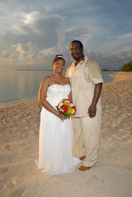 Cayman Wedding at Sunset for Memphis Visitors - image 4