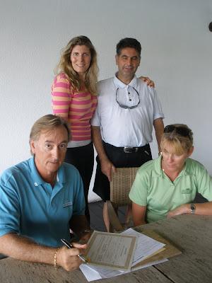 Grand Cayman Golf Course Wedding on 18th Hole - image 5
