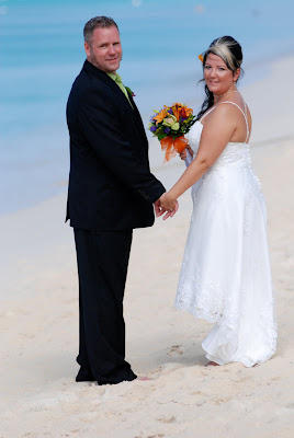 and Stingray makes three, for this Grand Cayman Wedding - image 2