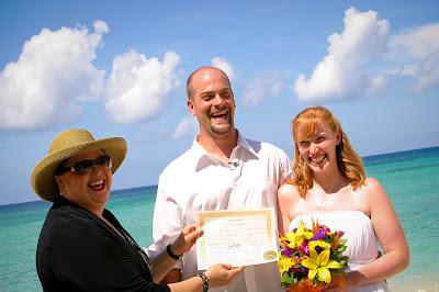 The Tropical Spendour of a Cayman Beach Wedding - image 3