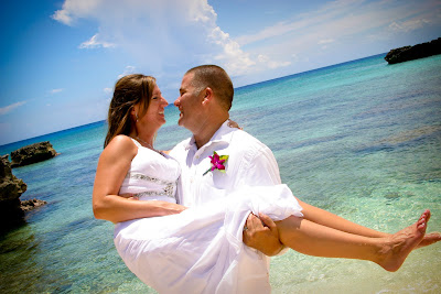 West Virginia Cruisers Enjoy Cayman Beach Wedding - image 5