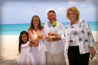 Pensacola Wedding Pair Choose Cayman's Turquoise Water - image 3