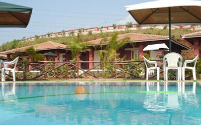 Picadilly Swimming pool and Cottages