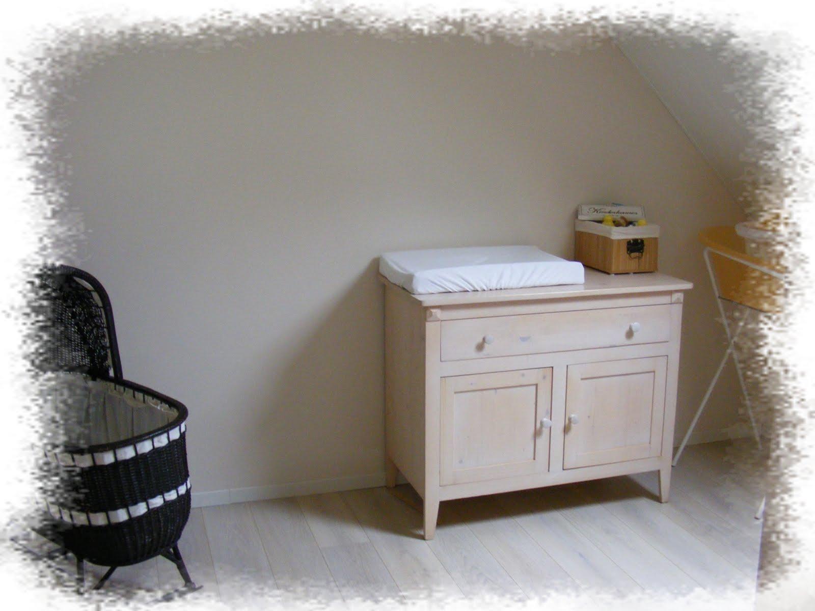 Babykamer In Nisje : Sandra s scrapkaarten freubels de babykamer en kamertje van