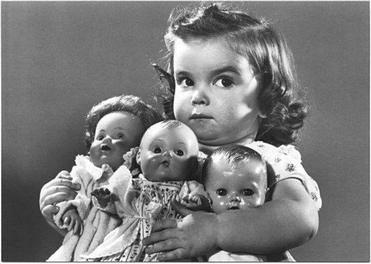 [more+dolls.jpg]