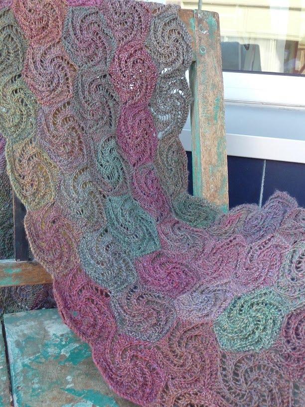 close knit: Swirl Shawl