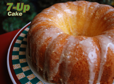 The Cutting Edge of Ordinary: 7-Up Cake