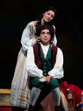 Anna and Rolando during performing a part of L&#39;elisir d&#39;amore at the Met&#39;s 40th anniversary gala 07