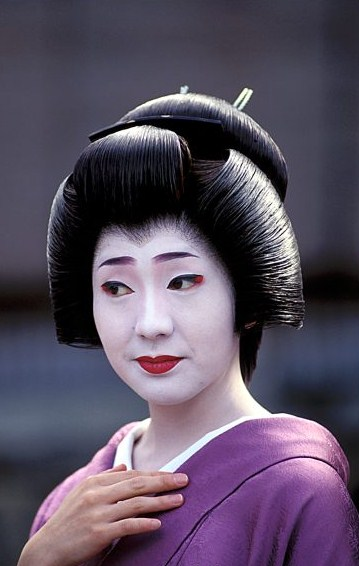 gelled hairstyles : ?he ?oincidental ?andy: The Intricate Hairstyles of Geisha