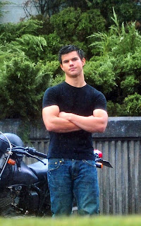 Taylor Lautner Taylor_lautner_biceps