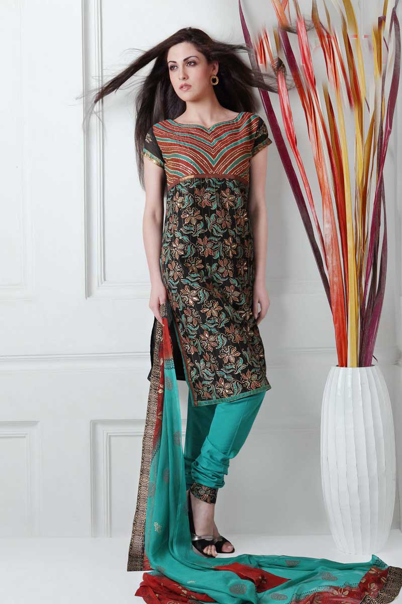 Chudidhar Stitching Models http://www.only-ladies.com/2010/04/latest-collection-of-churidar-kameez-at.html