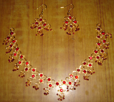 red single stone neckset and earrings