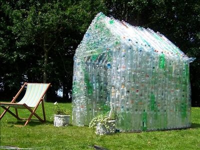 Plastic isn 39 t nice lot of bottle greenhouse for How to make house green