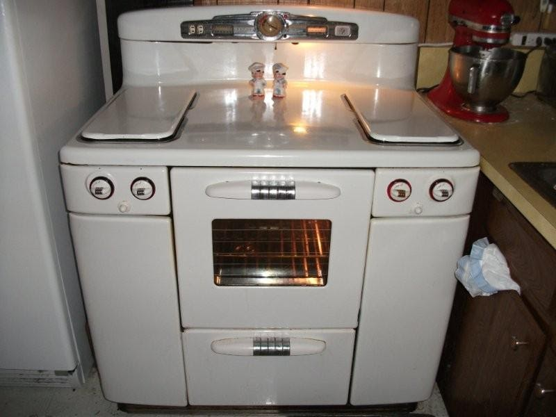 Tappan Talk: Ron and Aiden's 1948 Tappan Deluxe Stove