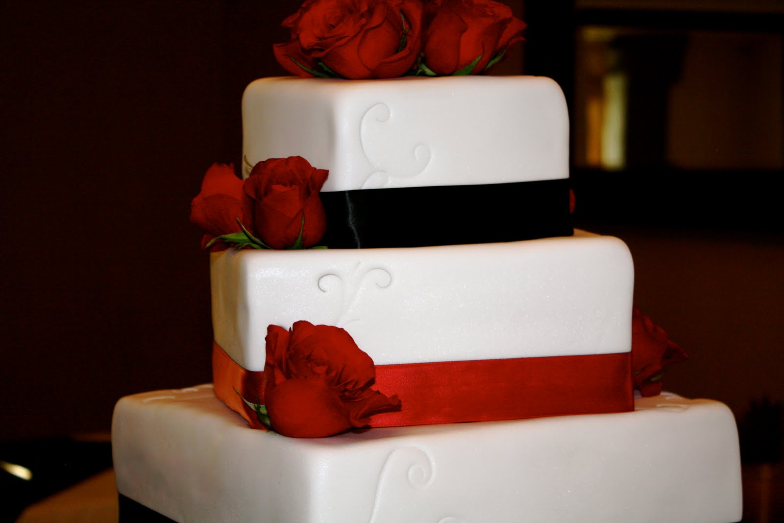 Jessica/brent: Black, Red And White Wedding Square Wedding Cake