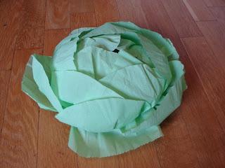 Как сделать капусту из бумаги своими руками на голову 27