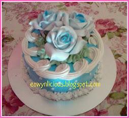 baby blue round cake ( s )