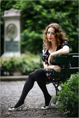 Pantyhose celebrities: Regina Spektor in pantyhose