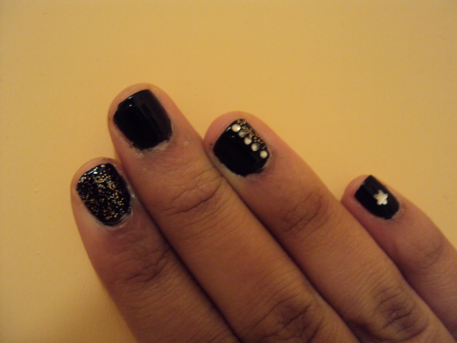 New Year Glitzy Nails