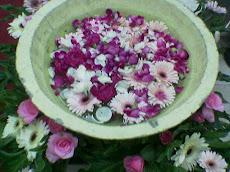 Jambangan Bunga sebagai Salah satu Bahan Dekorasi
