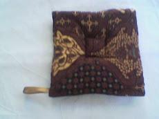 Contoh Souvenir Kami : Cempal dari Batik