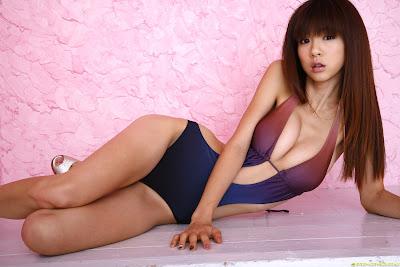 Aki Hoshino hot pics