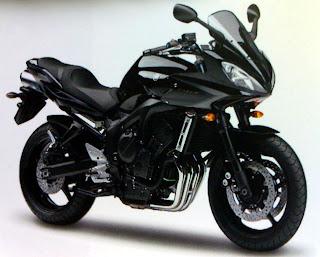 Yamaha Fazer S2 - Midnight Black