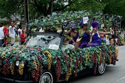 முகநூலில் ரசித்தவை -அனுராகவன் - Page 2 Houstoncarparade2010f
