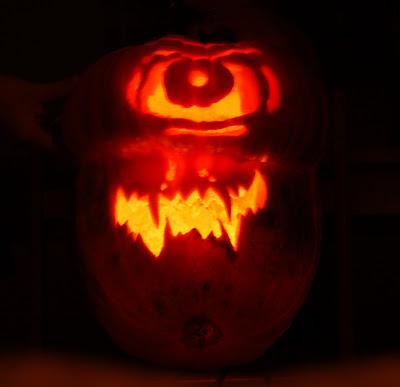 Missão Fácil especial de Halloween - Enfeites Tenebrosos Cyclops+001