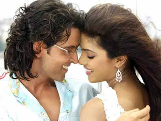 Hrithik Roshan, Priyanka Chopra to Star in 'Agneepath' remake