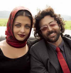 Aishwarya Rai, Hrithik Roshan On-screen chemistry in 'Guzaarish' is due to scripts