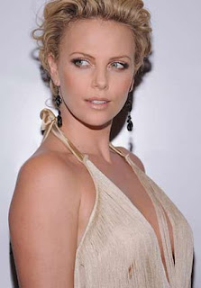 Charlize Theron auctions off date for charity
