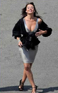 Dannii Minogue wants Jennifer Aniston to don her label