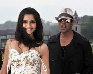 Sonam Kapoor, Akshay Kumar play basketball on cruise