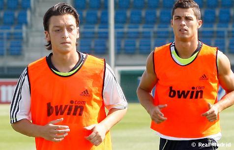 Cristiano Ronaldo Sudah Hafal Surat Al-Fatihah, Akankah Cristiano Ronaldo Masuk Islam ?