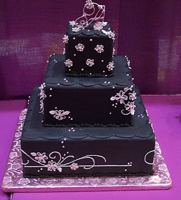 black and red wedding decorations. Black wedding cake