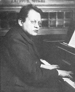 Max Reger al piano, 1908