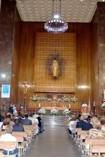 Interior de la iglesia del colegio de los Salesianos de Atocha