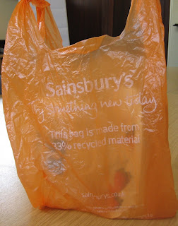http://1.bp.blogspot.com/_ZSDetY9RxAQ/SRFn9DMds5I/AAAAAAAAAA0/ttoVjMASkJs/s320/sainsburys+bag.JPG