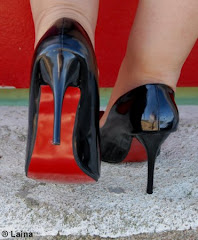 Zapatos negros-rojos.