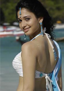 Actress back pose hot photos - Tamanna