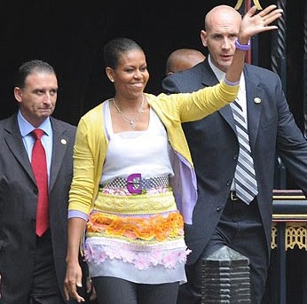 michelle obama husband shes head faintest conduct lady assistants dress